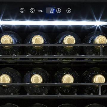 Klarstein Botella 210 S Weinkühlschrank Getränkekühlschrank (freistehend, 558 Liter, 210 Flaschen, 17 Einschübe, Tür mit luxuriöser Front, Edelstahl) schwarz-silber -