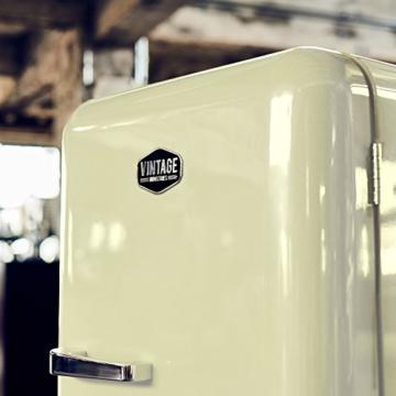 vintage industries retro k hlschrank in creme beige kaufberatung angebote. Black Bedroom Furniture Sets. Home Design Ideas